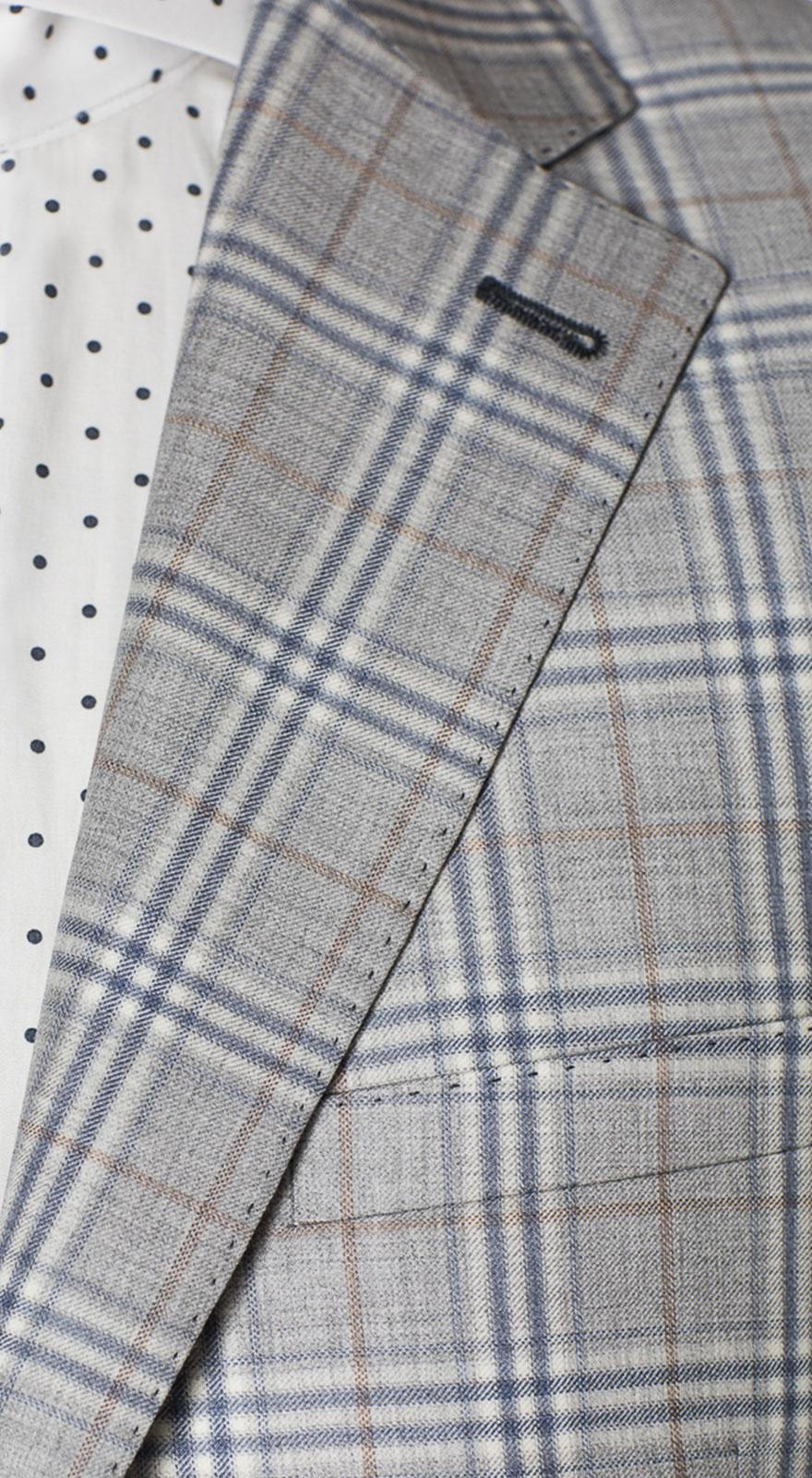 голубой пиджак серые брюки